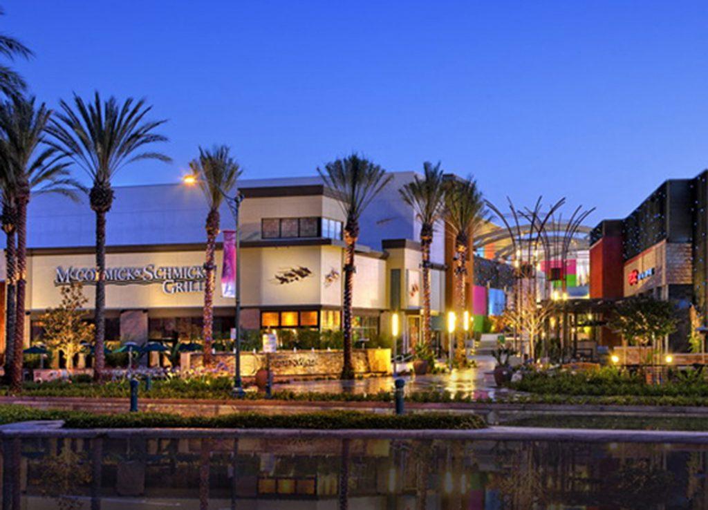 Garden Walk Mall Anaheim: Anaheim GardenWalk Welcomes Soccer Wearhouse